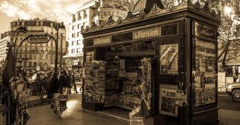 Kiosque à journaux Paris